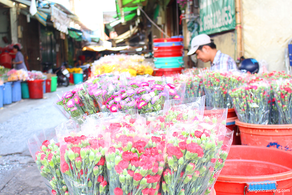 Binh Dong Floating Flower Market.Ho Thi Ky Flower Market The Original Beauty Of Saigon Saigon Travel