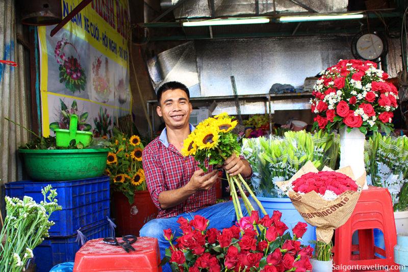 Binh Dong Floating Flower Market.Ho Thi Ky Flower Market The Original Beauty Of Saigon Saigon Travel